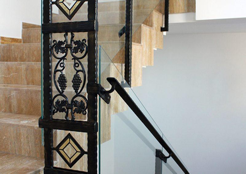balustrada din fier forjat si sticla - detaliu 1