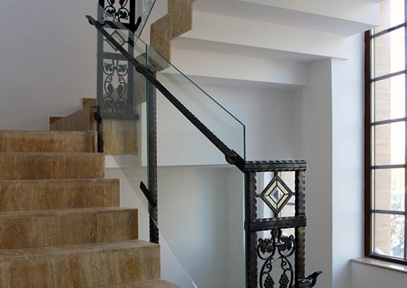 balustrada din fier forjat si sticla - detaliu 2